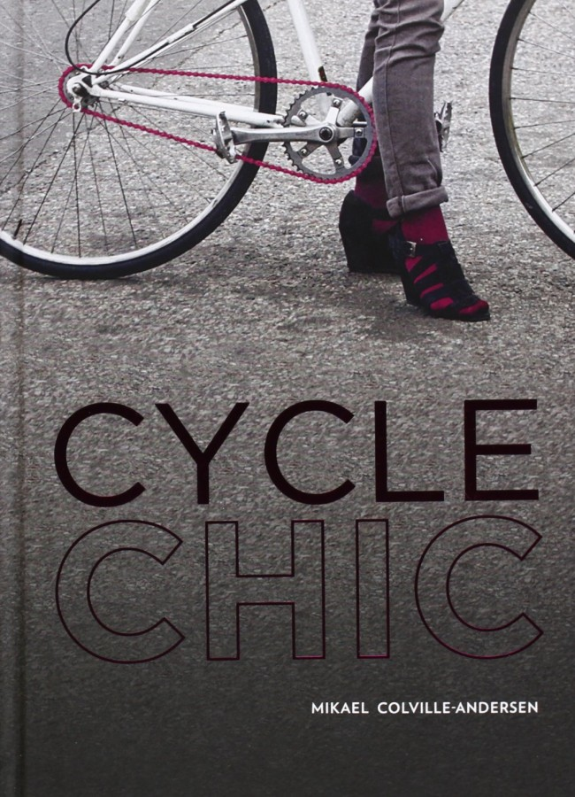Cycle chic Pedalando con stile