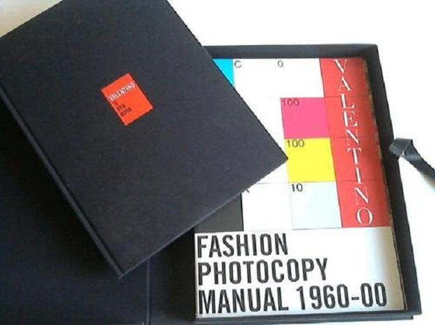 Valentino Box 2 voll. Valentino's red book Fashion Photocopy Manual 1960-00